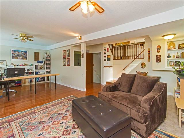Link at 104 Sandra Cres, Grimsby, Ontario. Image 9