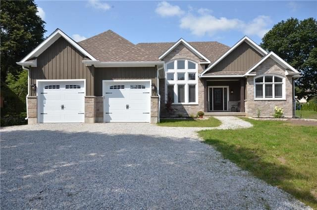 Detached at 18 Waterford Dr, Erin, Ontario. Image 1