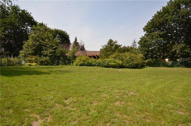 Detached at 18 Waterford Dr, Erin, Ontario. Image 10