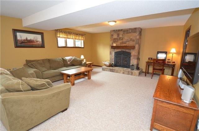 Detached at 1559 Post Rd, Kawartha Lakes, Ontario. Image 5