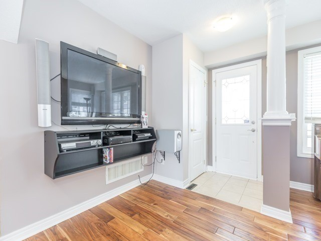 Detached at 340 Orvis Cres, Shelburne, Ontario. Image 17