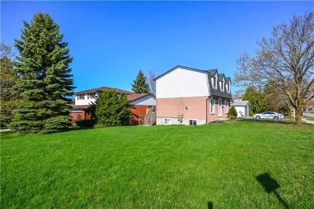 Detached at 779 Scottsdale Dr, Guelph, Ontario. Image 12