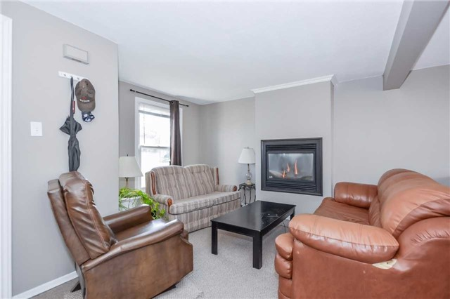 Detached at 779 Scottsdale Dr, Guelph, Ontario. Image 13