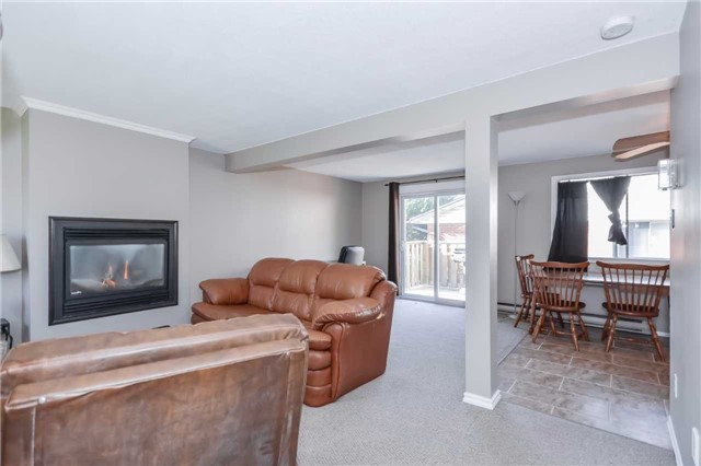 Detached at 779 Scottsdale Dr, Guelph, Ontario. Image 17