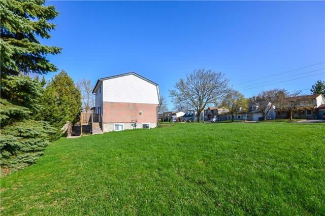 Detached at 779 Scottsdale Dr, Guelph, Ontario. Image 5