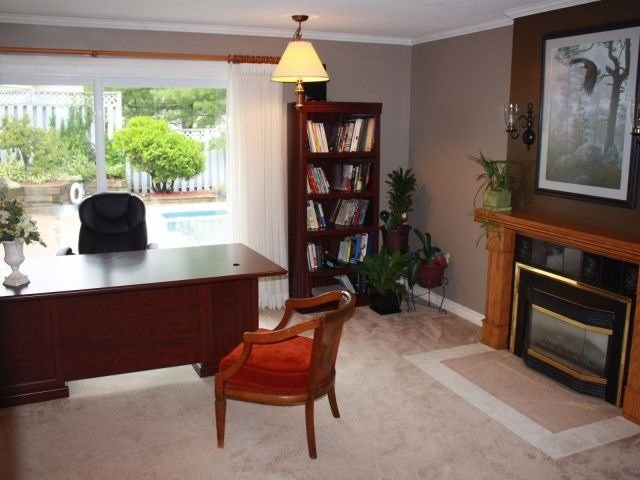 Detached at 20 Virginia Hts, Parry Sound, Ontario. Image 13