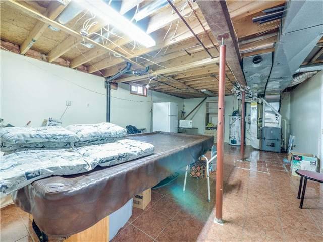 Detached at 135 Ramsden Dr, Hamilton, Ontario. Image 11