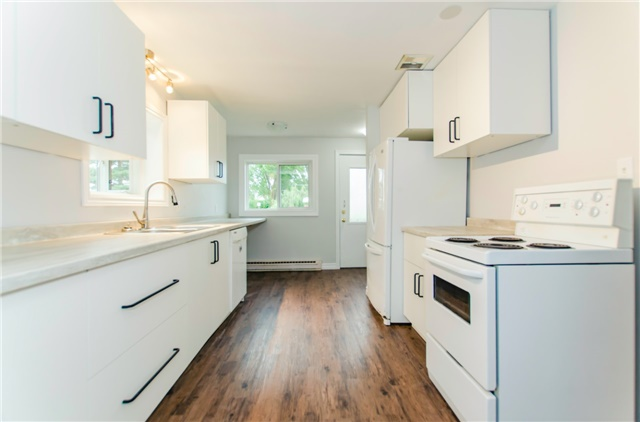 Duplex at 47 Parker St, Meaford, Ontario. Image 1