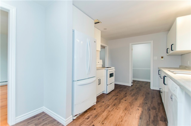 Duplex at 47 Parker St, Meaford, Ontario. Image 3
