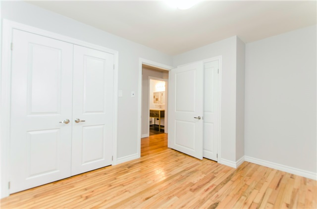 Duplex at 47 Parker St, Meaford, Ontario. Image 2