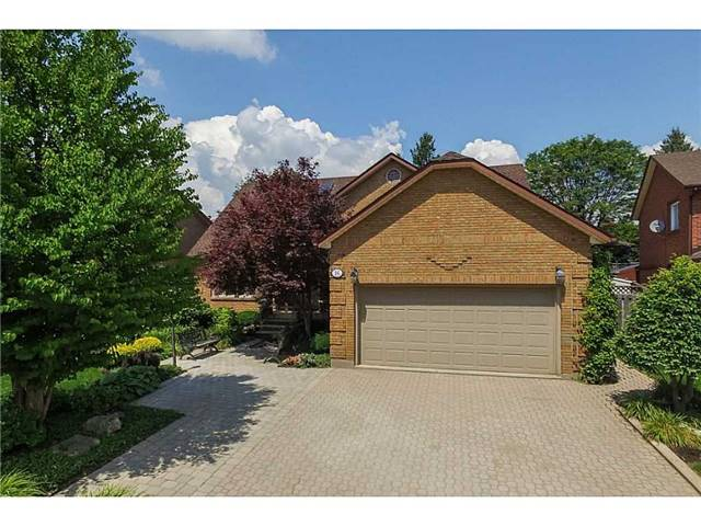 Detached at 16 Nellida Cres, Hamilton, Ontario. Image 12