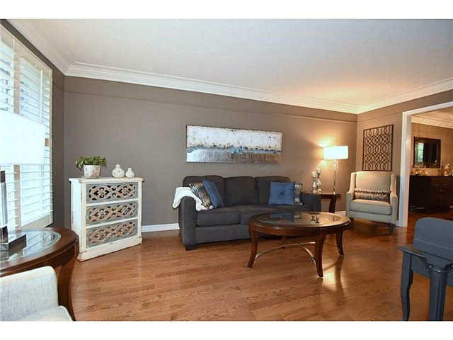 Detached at 16 Nellida Cres, Hamilton, Ontario. Image 20