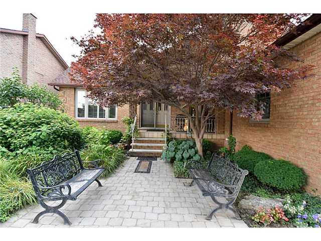 Detached at 16 Nellida Cres, Hamilton, Ontario. Image 13