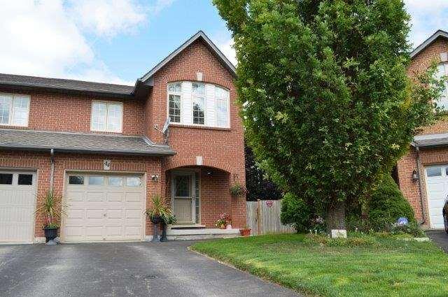Townhouse at 44 Westvillage  Dr, Hamilton, Ontario. Image 1