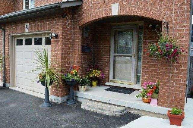 Townhouse at 44 Westvillage  Dr, Hamilton, Ontario. Image 12
