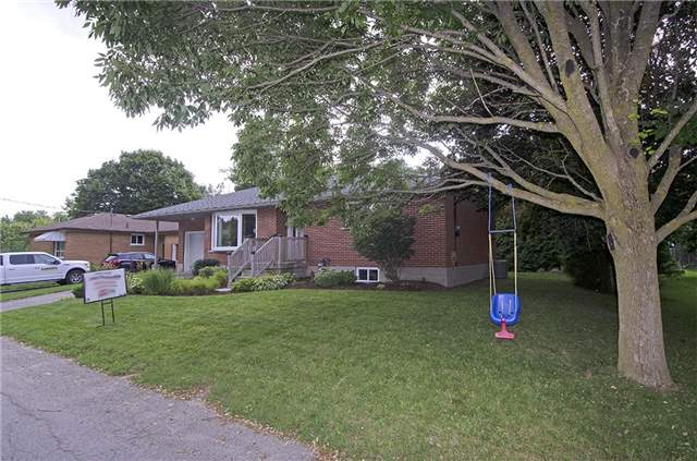 Detached at 30 Ponsford St, East Luther Grand Valley, Ontario. Image 11