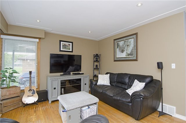 Detached at 30 Ponsford St, East Luther Grand Valley, Ontario. Image 15
