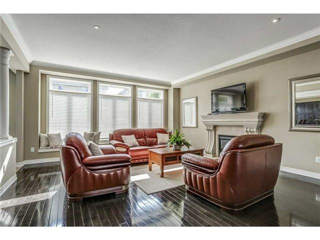 Detached at 8 Lovett Crt, Hamilton, Ontario. Image 16
