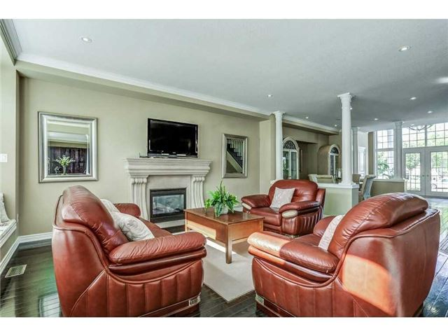 Detached at 8 Lovett Crt, Hamilton, Ontario. Image 17