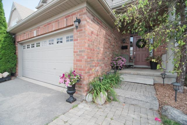 Detached at 14 Pebblecreek Dr, Kitchener, Ontario. Image 10