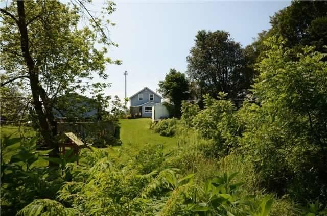 Detached at 28 Alexander St, Port Hope, Ontario. Image 17