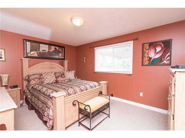 Detached at 28 Wills Cres, Hamilton, Ontario. Image 17