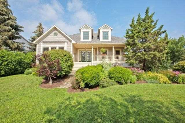 Detached at 10 Baker Rd S, Grimsby, Ontario. Image 1