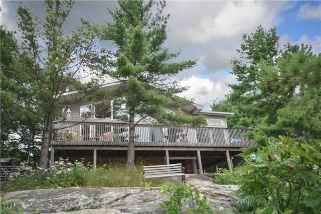 Cottage at 90 Island 100, Georgian Bay, Ontario. Image 1