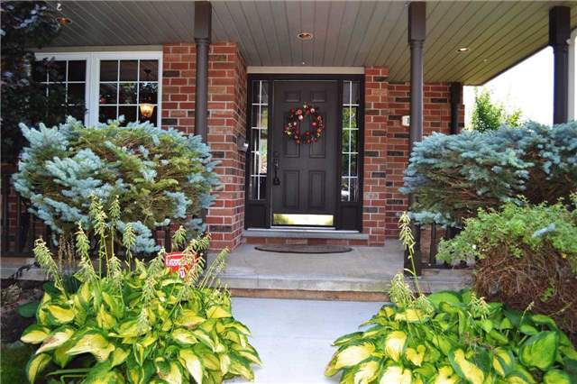Detached at 11 Chele-Mark Rd, Woodstock, Ontario. Image 8
