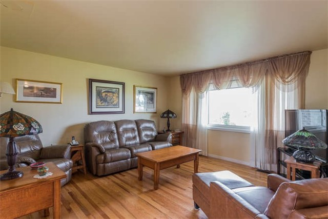 Detached at 1126 Elm Tree Rd, Kawartha Lakes, Ontario. Image 13
