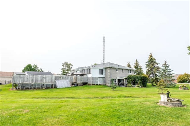 Detached at 1126 Elm Tree Rd, Kawartha Lakes, Ontario. Image 9
