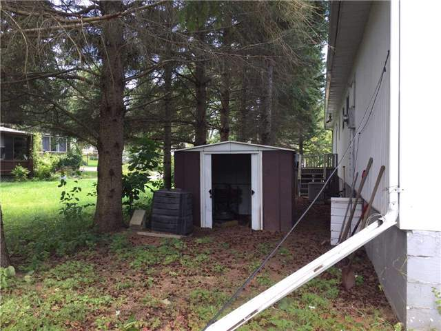 Mobile/Trailer at 2 Park Cres, Kawartha Lakes, Ontario. Image 10