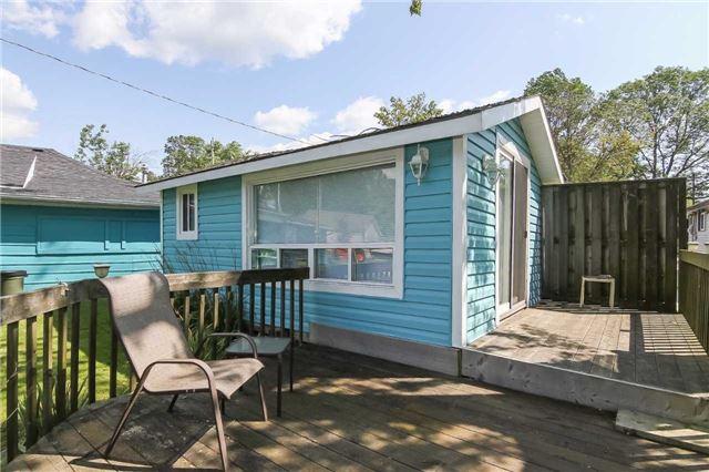 Cottage at 1048 Lakeshore Rd, Haldimand, Ontario. Image 8