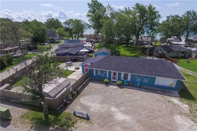 Cottage at 1048 Lakeshore Rd, Haldimand, Ontario. Image 9