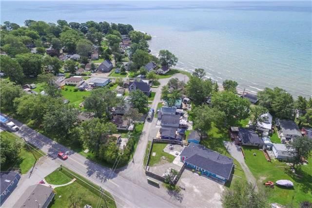 Cottage at 1048 Lakeshore Rd, Haldimand, Ontario. Image 11