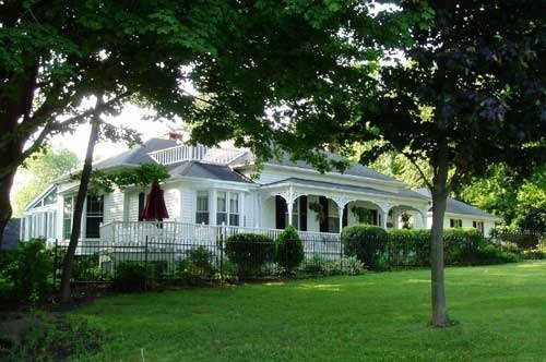 Detached at 84 King St, Niagara-on-the-Lake, Ontario. Image 1
