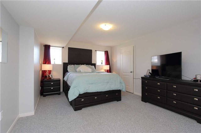 Detached at 2 White Dr, Port Hope, Ontario. Image 2