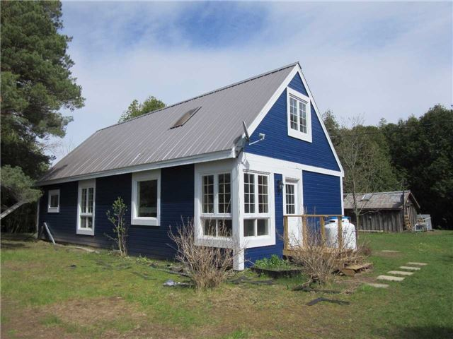 Detached at 121 Collingwood St, Grey Highlands, Ontario. Image 9