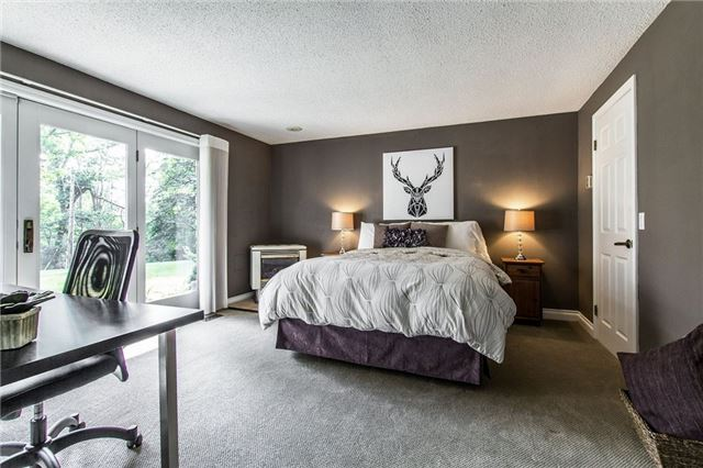Detached at 1174 West River Rd, Cambridge, Ontario. Image 4