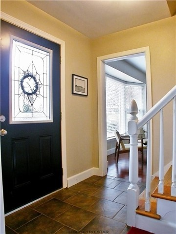 Detached at 25 Brentwood Cres, London, Ontario. Image 13