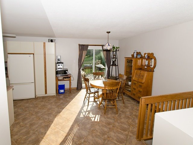Detached at 10 Dell St, Mulmur, Ontario. Image 12