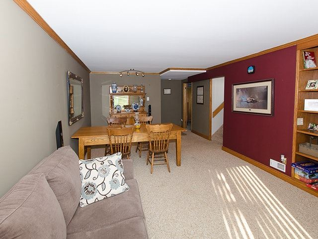 Detached at 10 Dell St, Mulmur, Ontario. Image 16