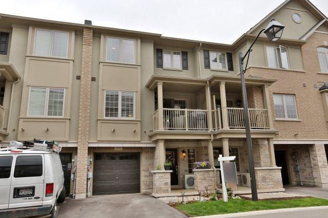 Condo Townhouse at 215 Dundas St E, Unit 19, Hamilton, Ontario. Image 1