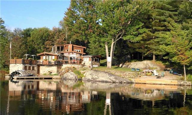 Cottage at 99 Healey Lake Water, The Archipelago, Ontario. Image 12