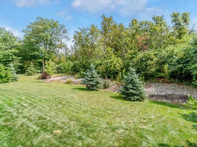 Detached at 132 Parkinson Dr, Guelph/Eramosa, Ontario. Image 10
