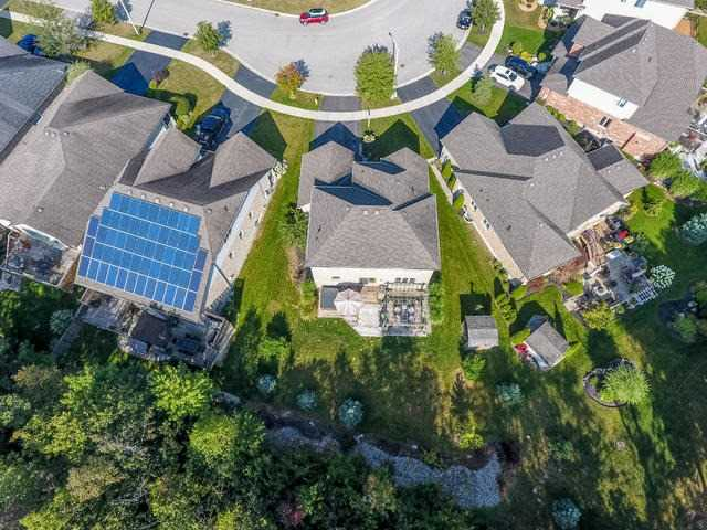 Detached at 132 Parkinson Dr, Guelph/Eramosa, Ontario. Image 13