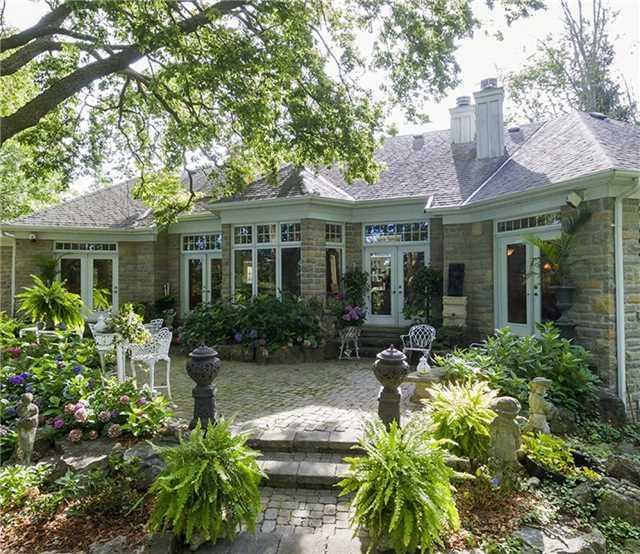 Detached at 1550 Blair Rd, Cambridge, Ontario. Image 14