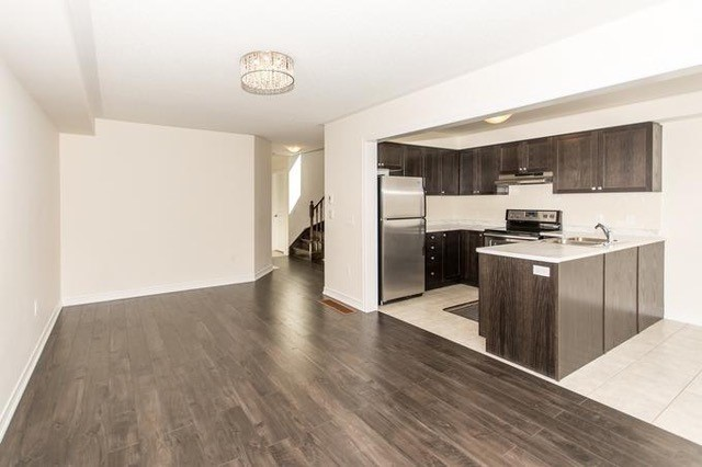 Townhouse at 913 Cook Cres, Shelburne, Ontario. Image 15