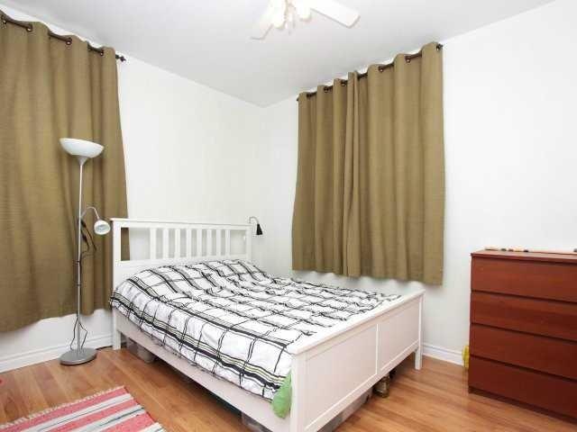 Fourplex at 206 Montrose St S, Cambridge, Ontario. Image 7