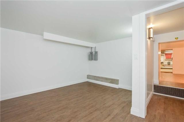 Duplex at 213 Strange St, Kitchener, Ontario. Image 10